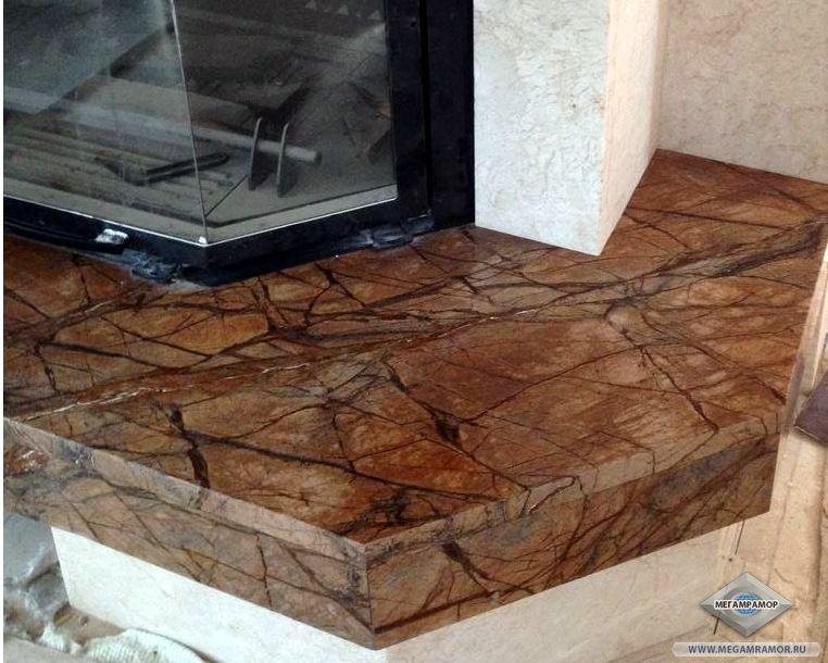 Камин из мрамора Крема Нова и Бидасар Браун