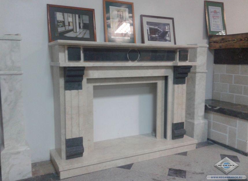 Каминный портал из мраморов Крема Нова и Верде Гватемала